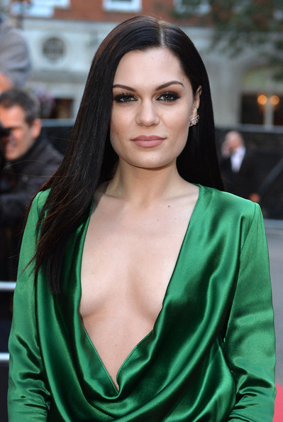 Jessie J went for sleek styling with this straight side-parted hairstyle at the GQ Men of the Year Awards.
