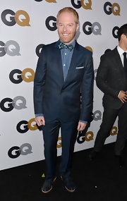 There was nothing stuffy about Jesse Tyler Ferguson's navy blue suit. It was formally fun!