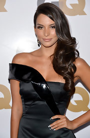 Genesis Rodriguez had her nails prepped for the GQ Men of the Year party.
