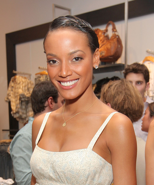More Pics of Selita Ebanks Leather Clutch (1 of 7) - Selita Ebanks Lookbook - StyleBistro