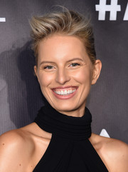 Karolina Kurkova attended the Angel Ball 2017 wearing her hair in a windblown updo.