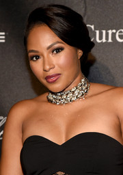 Alicia Quarles sported a simple short, side-parted hairstyle at the 2015 Angel Ball.