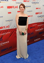 Julianne Moore wore this two-toned strapless dress to the 'Game Change' premiere.