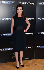 Michelle Fairley showed that you don't need a lot of frills to look great, especially when you have a fitted LBD, like this one.