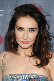 Carice Van Houten attended the 'Game of Thrones' season 4 premiere wearing messy-sexy curls.