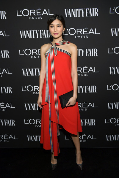 Gemma Chan Envelope Clutch [clothing,dress,shoulder,fashion model,cocktail dress,fashion,fashion design,joint,premiere,formal wear,gemma chan,lor\u00e3,california,los angeles,vanity fair,lor\u00e9al paris celebrate new hollywood,al paris celebrate new hollywood]
