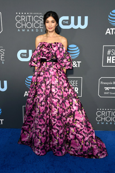 Gemma Chan Print Dress [flooring,dress,gown,carpet,shoulder,fashion model,red carpet,fashion,fashion show,magenta,arrivals,gemma chan,critics choice awards,santa monica,california,barker hangar]