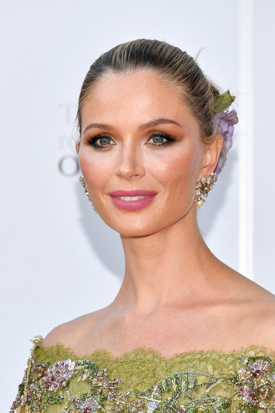 Georgina Chapman Classic Bun [hair,face,hairstyle,eyebrow,beauty,skin,chin,lip,blond,forehead,georgina chapman,metropolitan opera house,new york city,metropolitan opera,opening night,metropolitan opera opening night]