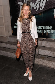 Piper Perabo accented her early '90s style jumpsuit with a white blazer and matching pumps.