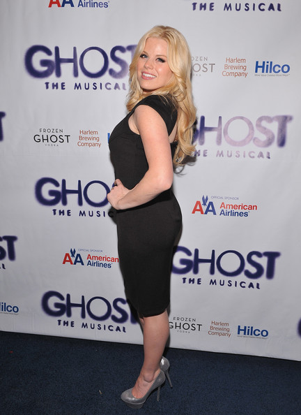 More Pics of Megan Hilty Long Wavy Cut (1 of 13) - Megan Hilty Lookbook - StyleBistro