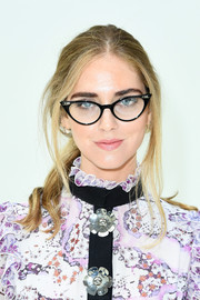 Chiara Ferragni kept it relaxed with this loose ponytail at the Giambattista Valli Couture show.