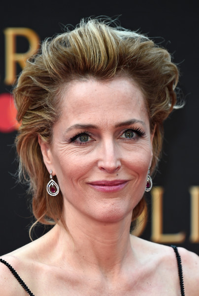 Gillian Anderson Messy Cut [hair,face,hairstyle,eyebrow,blond,chin,lip,head,beauty,forehead,gillian anderson,olivier awards,england,london,royal albert hall,mastercard,red carpet arrivals]