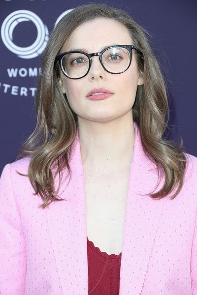 Gillian Jacobs Medium Wavy Cut [the hollywood reporter,eyewear,hair,glasses,face,lip,eyebrow,hairstyle,blond,pink,beauty,gillian jacobs,arrivals,los angeles,california,hollywood reporter,milk studios,women in entertainment breakfast]
