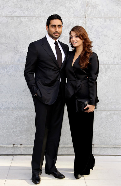 More Pics of Aishwarya Rai Long Wavy Cut (4 of 8) - Aishwarya Rai Lookbook - StyleBistro