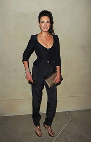 Elizabeth Chambers looked sleek in a pair of black evening slacks for the 'Vanity Fair' dinner party.