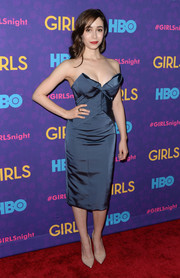 Cristin Milioti was one hot babe in a strapless blue corset dress by Zac Posen during the 'Girls' season 3 premiere.