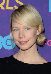 Erin Fetherston looked adorable with her loose side bun at the 'Girls' season 3 premiere.