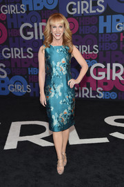 Kathy Griffin attended the 'Girls' season 4 premiere looking classy in a printed sheath dress.