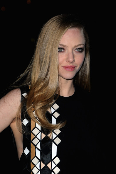 More Pics of Amanda Seyfried One Shoulder Dress (3 of 4) - Amanda Seyfried Lookbook - StyleBistro