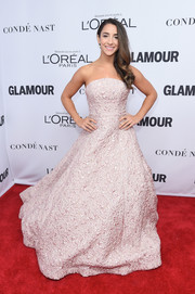 Aly Raisman wowed in a strapless jacquard ball gown at the 2017 Glamour Women of the Year Awards.