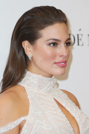 Ashley Graham looked chic with her brushed-back 'do at the Glamour Women of the Year 2016.