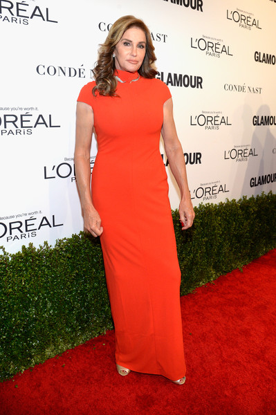 Caitlyn Jenner was statuesque and sophisticated at the Glamour Women of the Year 2016 in a red turtleneck column dress.