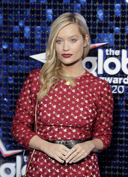 Laura Whitmore finished off her look with a beige mani.