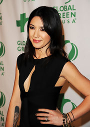 Michelle Branch attended the  9th Annual Global Green USA pre-Oscar party wearing metallic bronze nail polish.