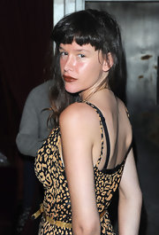 Paz de la Huerta wore a dark red lip color and no eye makeup to put the focus on her famous pout.