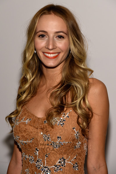 Harley Viera-Newton looked glam with her loose curls at the God's Love We Deliver, Golden Heart Awards.