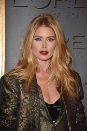 Doutzen Kroes rocked edgy-sexy waves at the Gold Obsession Party.