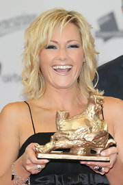 Helene Fischer rocked a messy yet funky hairstyle at the 2012 Goldene Henne Awards.