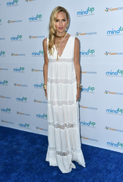 Rachel Zoe stuck to her boho style with this white lace-panel maxi dress when she attended the Love In For Kids event.