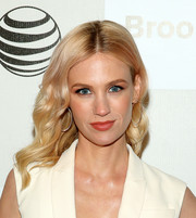 January Jones chose a pair of delicate diamond hoops by Anita Ko to finish off her outfit.