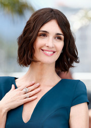 Paz Vega styled her short hair with a center part and beachy waves for the 'Grace of Monaco' photocall.