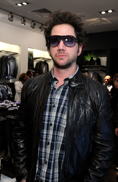 Nothing says celebrity more than a pair of oversized sunnies. Jamie Kennedy rocked this pair at the opening of Kenneth Cole at Santa Monica Place.