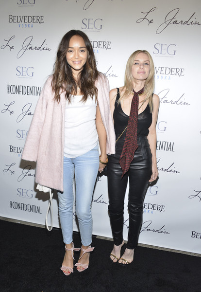 Ashley Madekwe added a dose of sweetness with a pair of bowed pink sandals.