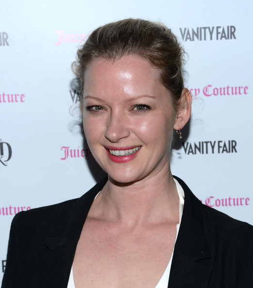 Gretchen Mol Clothes