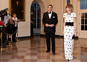 Anna Wintour wore this dramatic netted dress to the White House State Dinner.