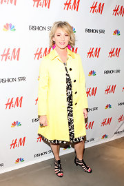 Lisa Hunter brightened up the H&M 'Fashion Star' event with this vibrant yellow trench.