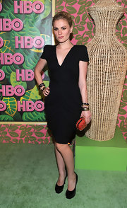 Anna wowed at the HBO Emmy Awards party in s sleek black dress, which she paired with a Brittania clutch.