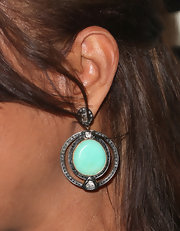 Eva la Rue accessorized with a gorgeous pair of dangling turquoise earrings at the 2013 Golden Globes after-party.