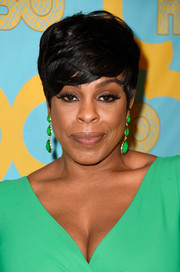 Niecy Nash sported a super-cool short emo cut at the HBO Golden Globes party.