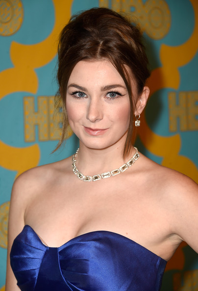 Emily Mest sported a messy beehive at the HBO Golden Globes party.