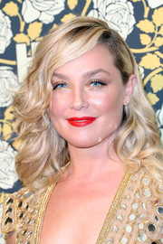 Elisabeth Rohm styled her shoulder-length hair with bouncy curls for HBO's Golden Globes post-party.