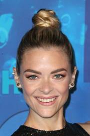 Jaime King attended HBO's post-Emmy reception wearing her hair in a top knot.