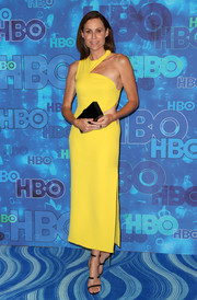 Minnie Driver was modern and vibrant in an asymmetrical yellow cutout dress by Versace during HBO's post-Emmy reception.