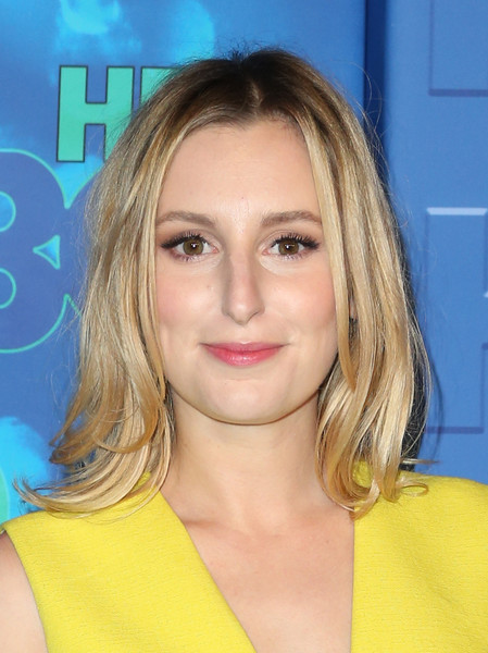 Laura Carmichael sported a flippy 'do with an off-center part during HBO's post-Emmy reception.