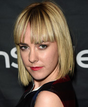 Jena Malone sported a short straight 'do with bangs at the HFPA & InStyle TIFF celebration.