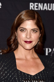 Selma Blair worked an Old Hollywood vibe with this glamorous wavy 'do at the HFPA and InStyle TIFF celebration.
